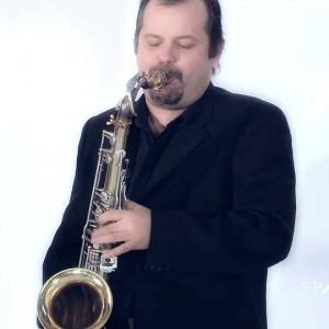 Roberto-Manzin-Square